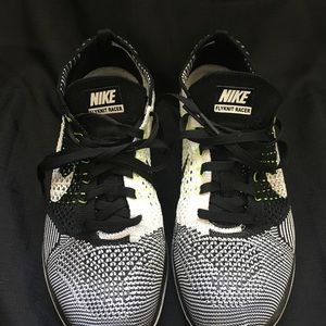 Nike flyknit racers pre owned very good condition
